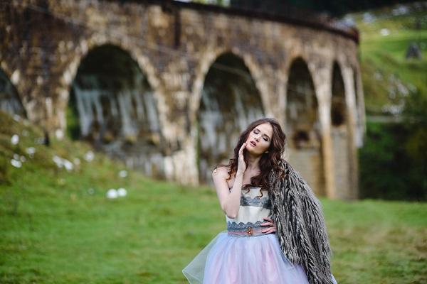 Choose hot Ukrainian brides here